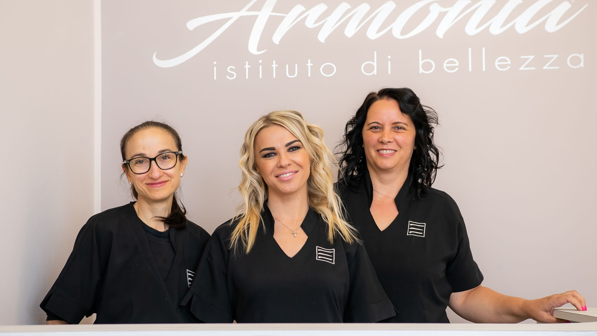 Armonia Istituto di bellezza Team